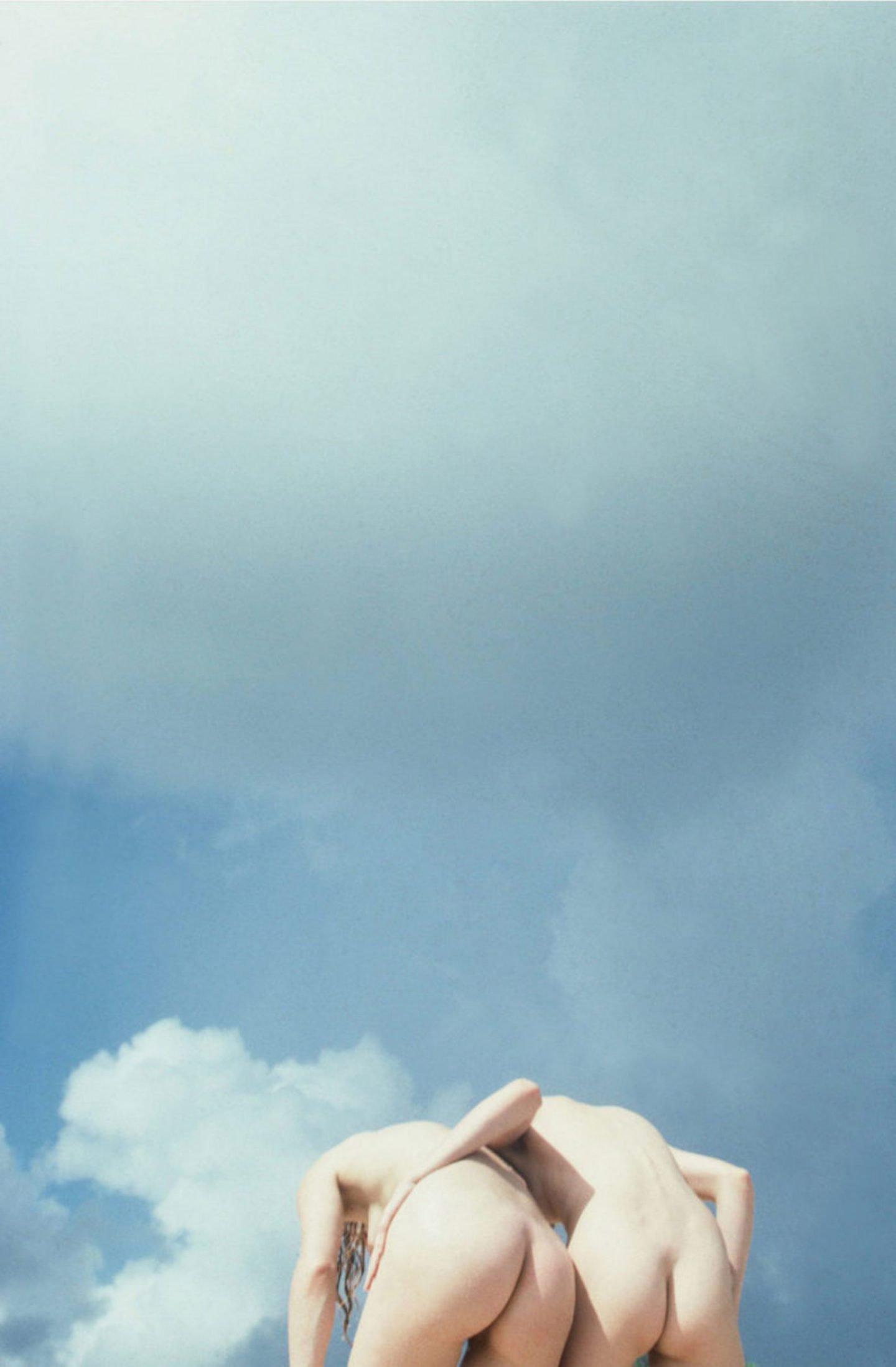 iGNANT-Photography-Mark-Borthwick-Fashion-Landscape-13