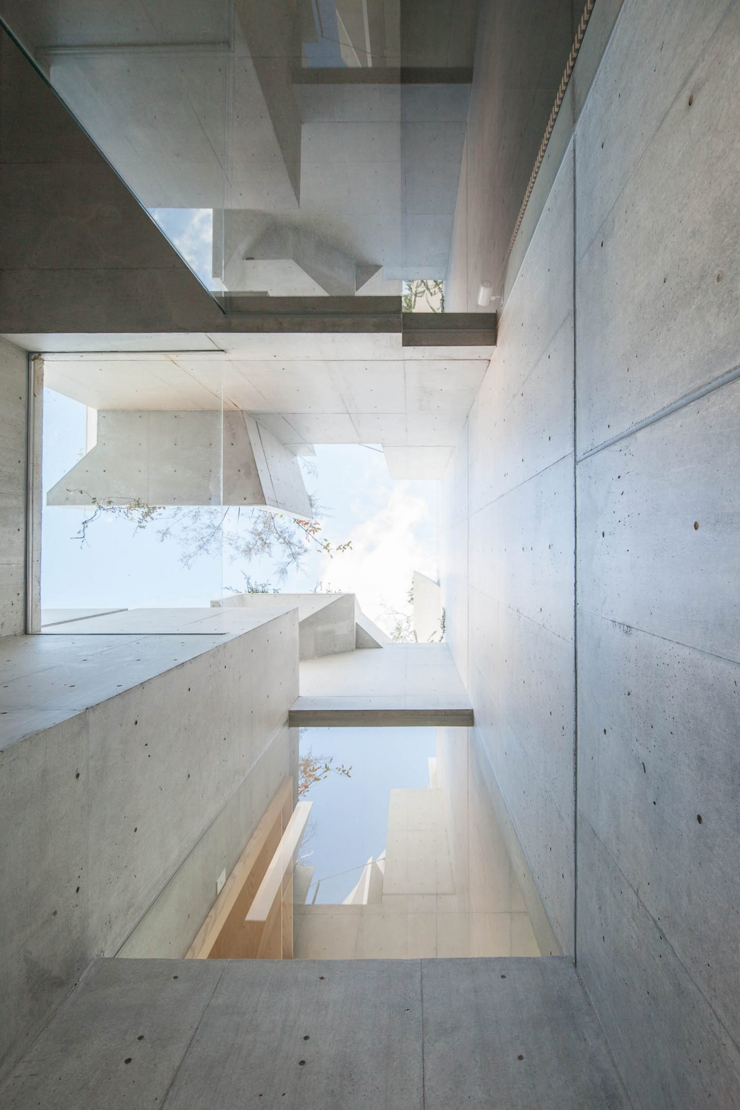 iGNANT-Architecture-Akihisa-Hirata-Tree-Ness-House-18