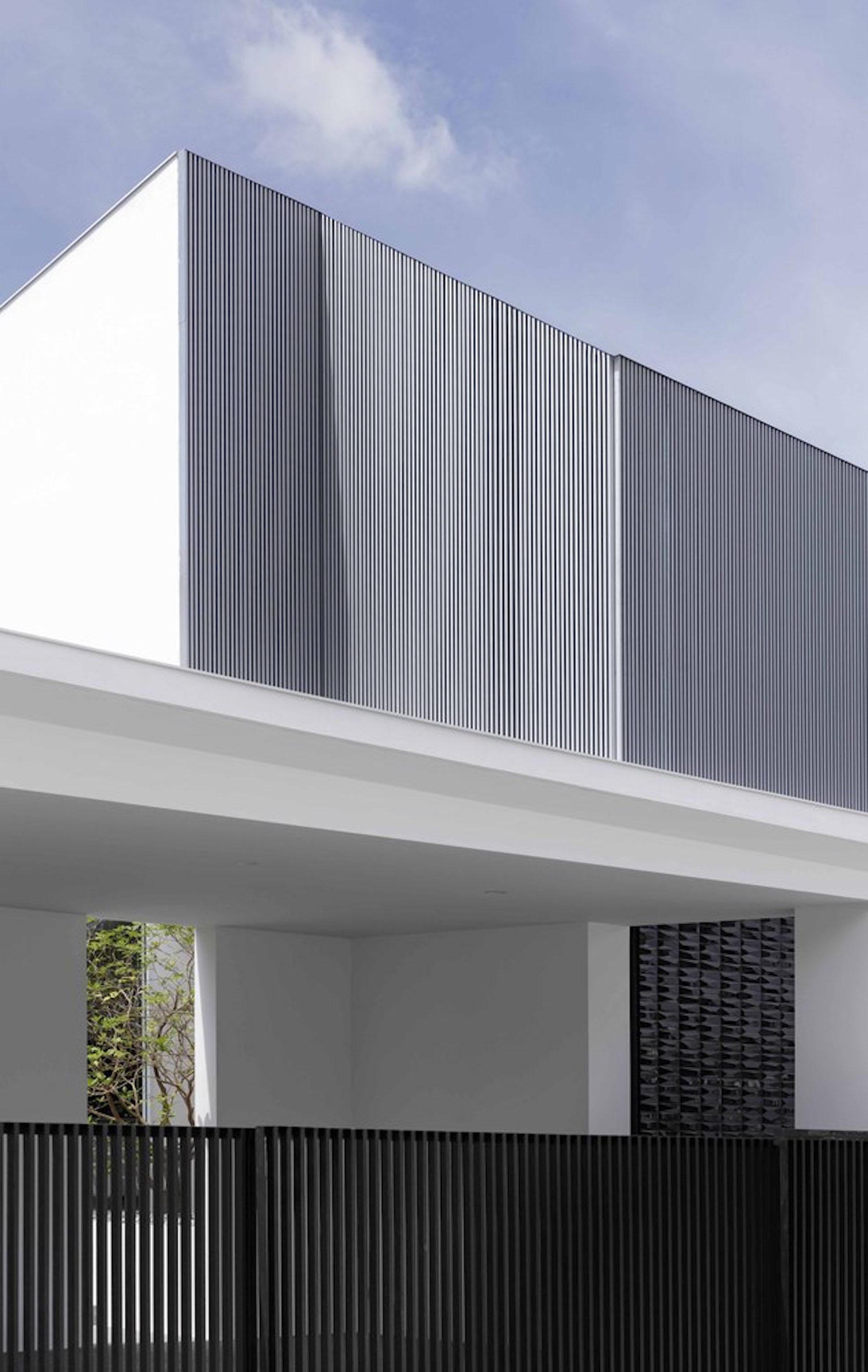 iGNANT-Architecture-Ayutt-And-Associates-Design-White-Box-House-16