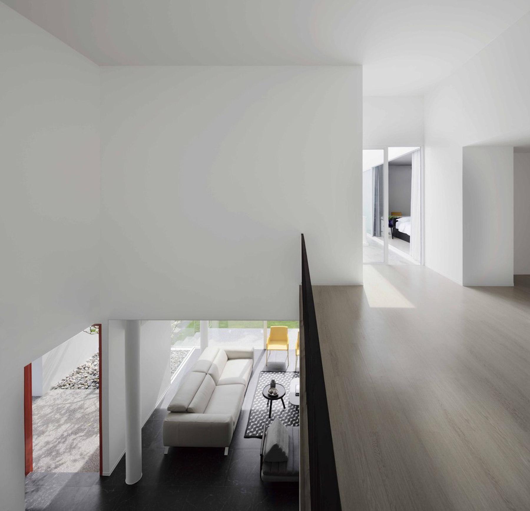 iGNANT-Architecture-Ayutt-And-Associates-Design-White-Box-House-17
