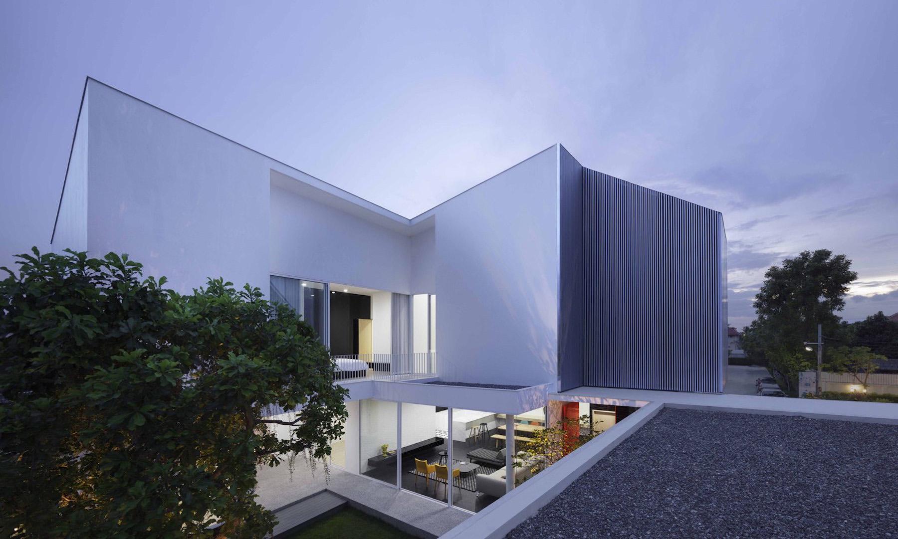 iGNANT-Architecture-Ayutt-And-Associates-Design-White-Box-House-25