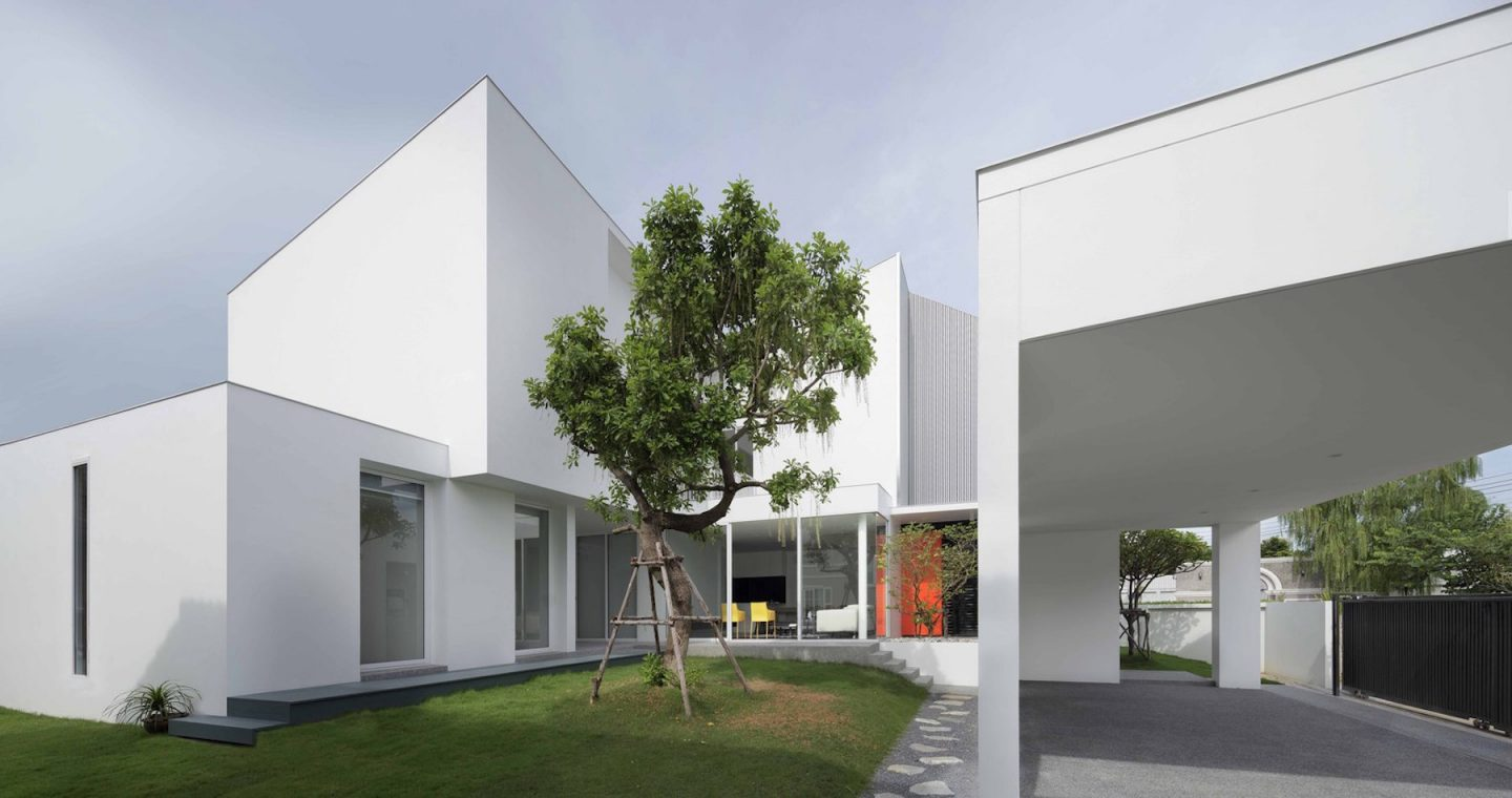 iGNANT-Architecture-Ayutt-And-Associates-Design-White-Box-House-27
