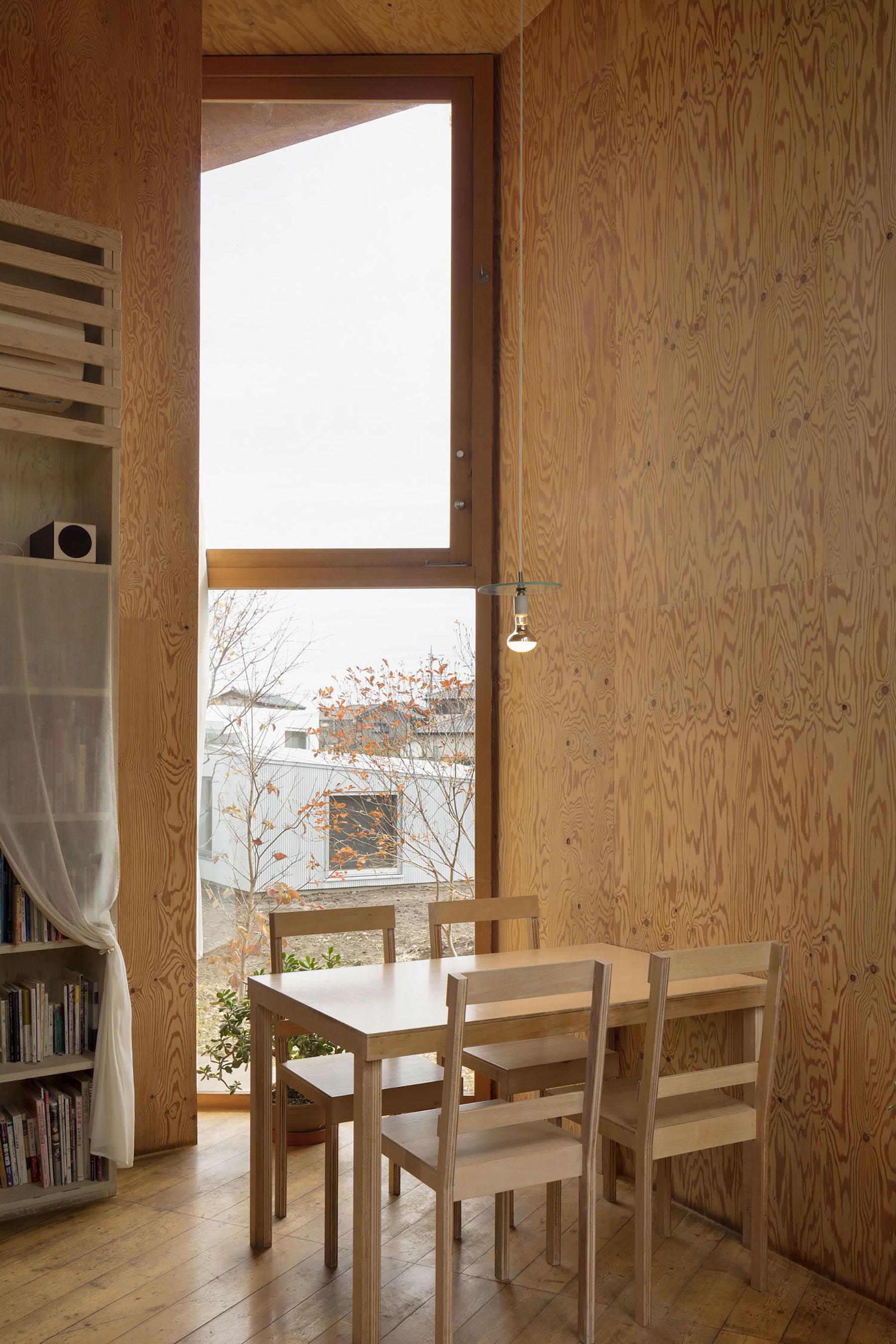 iGNANT-Architecture-Miya-Akiko-Roofs-And-Window-007