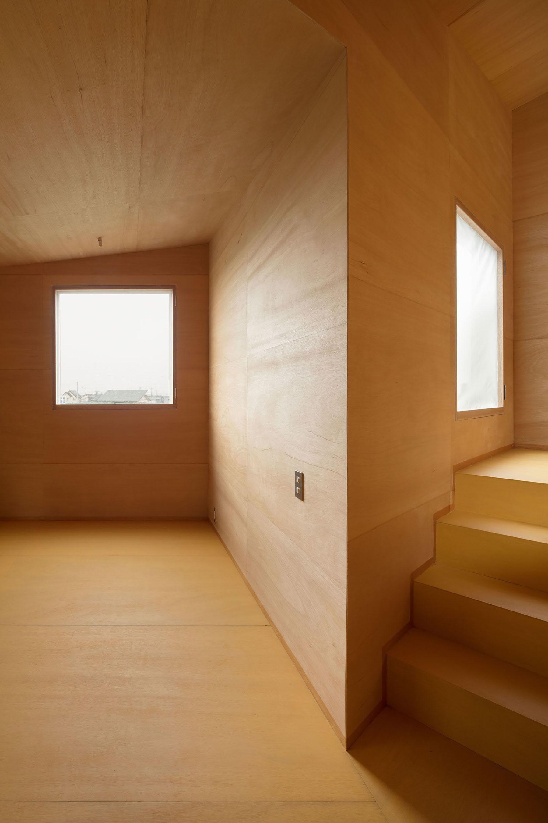 iGNANT-Architecture-Miya-Akiko-Roofs-And-Window-017