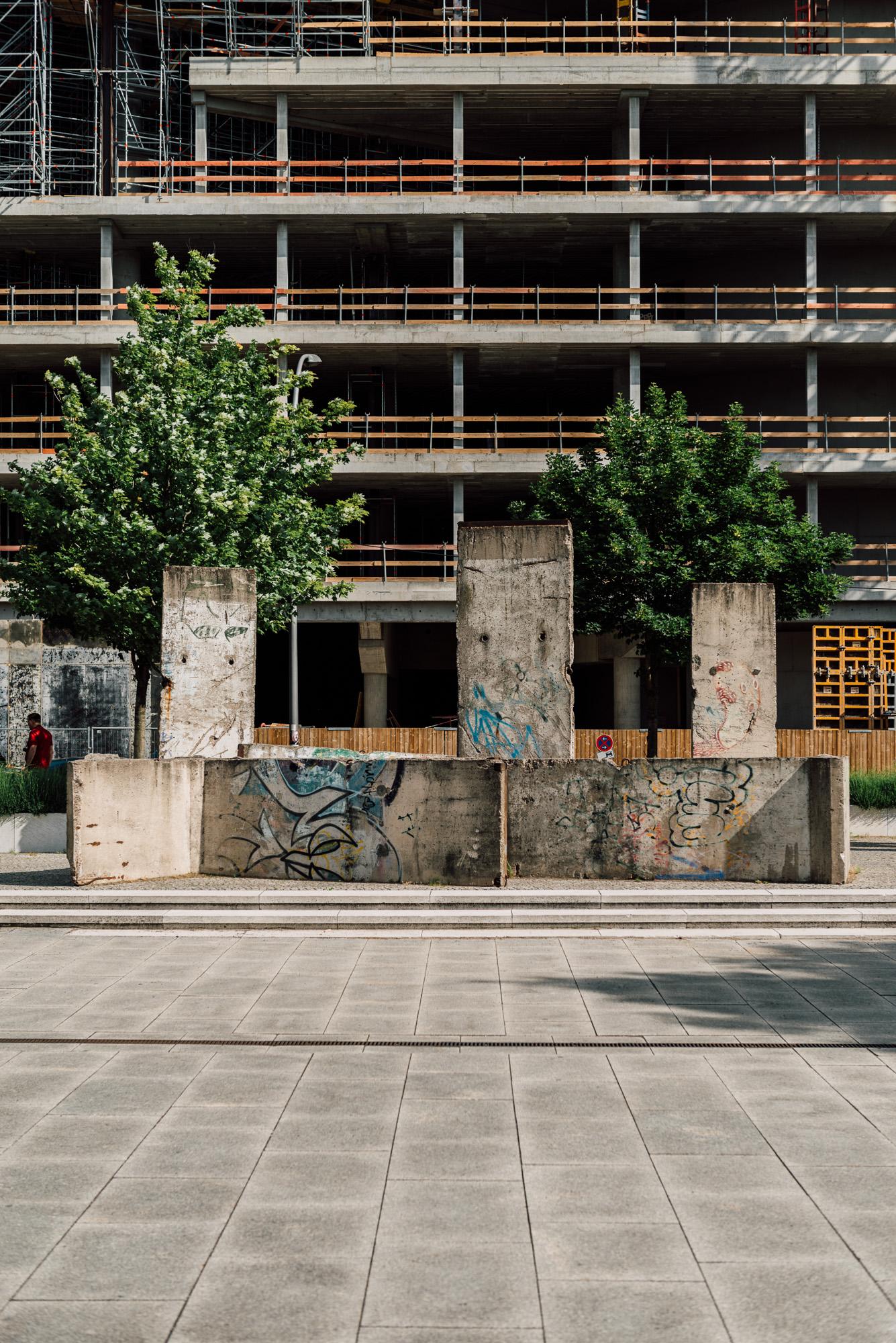 ignant-berlin-wall-biennale-4983