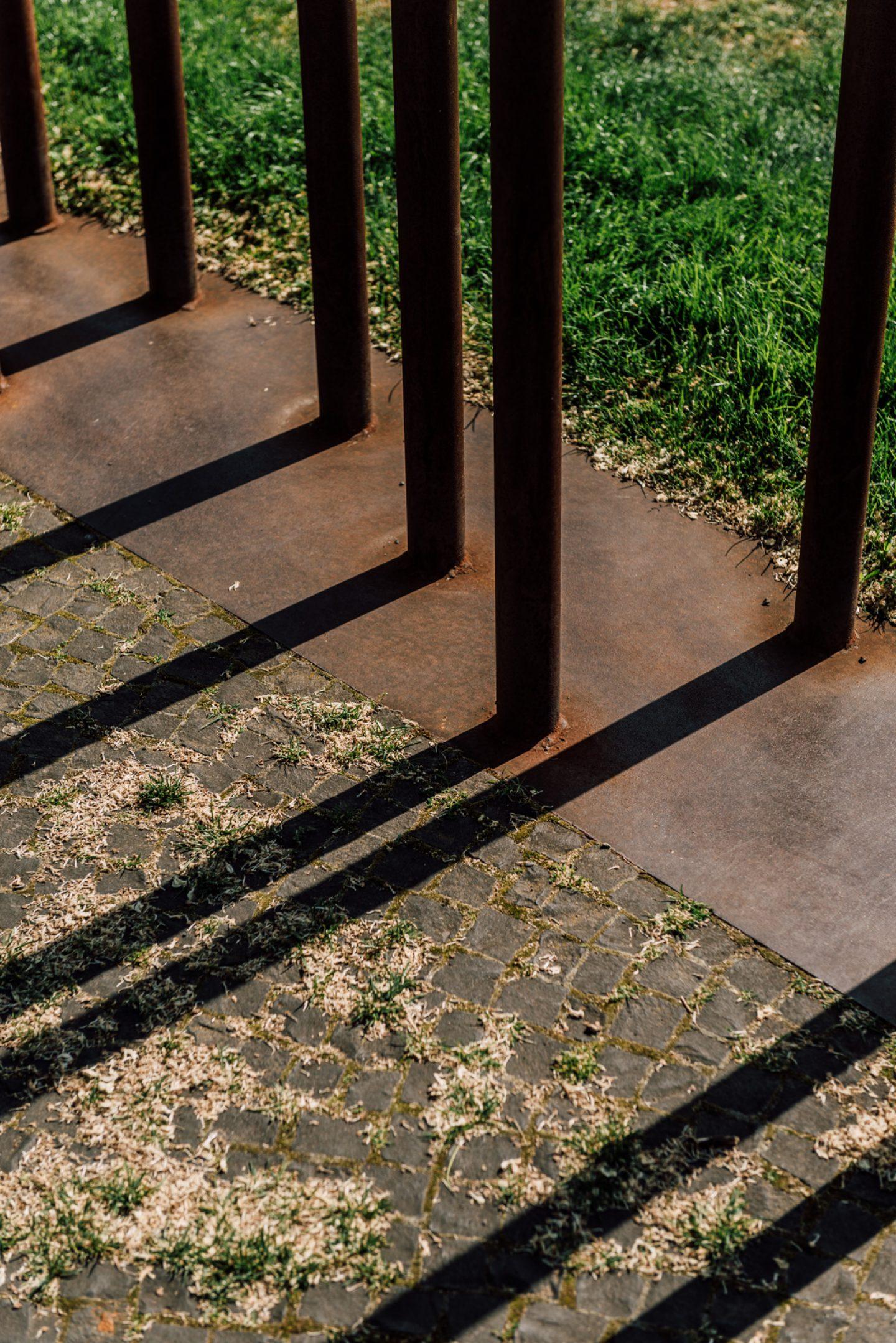 ignant-berlin-wall-biennale-5185