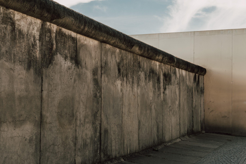 ignant-berlin-wall-biennale-5246