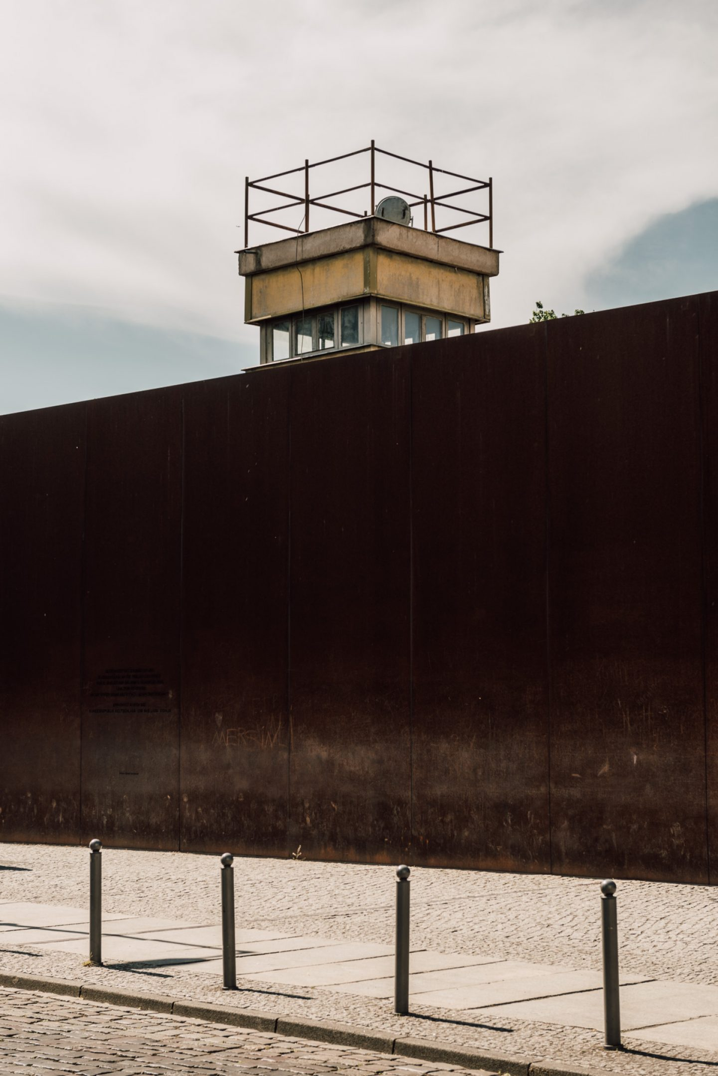 ignant-berlin-wall-biennale-5258