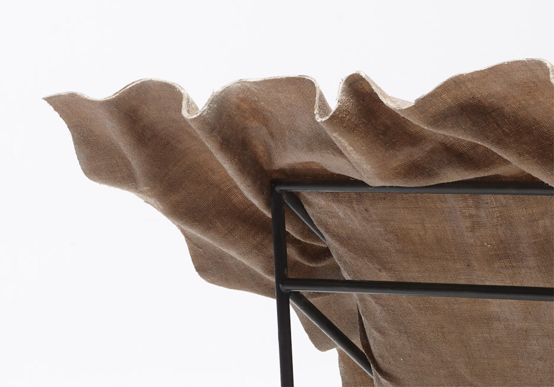 iGNANT-Design-Demeter-Fogarasi-Poetic-Furniture-Frozen-Textiles-04