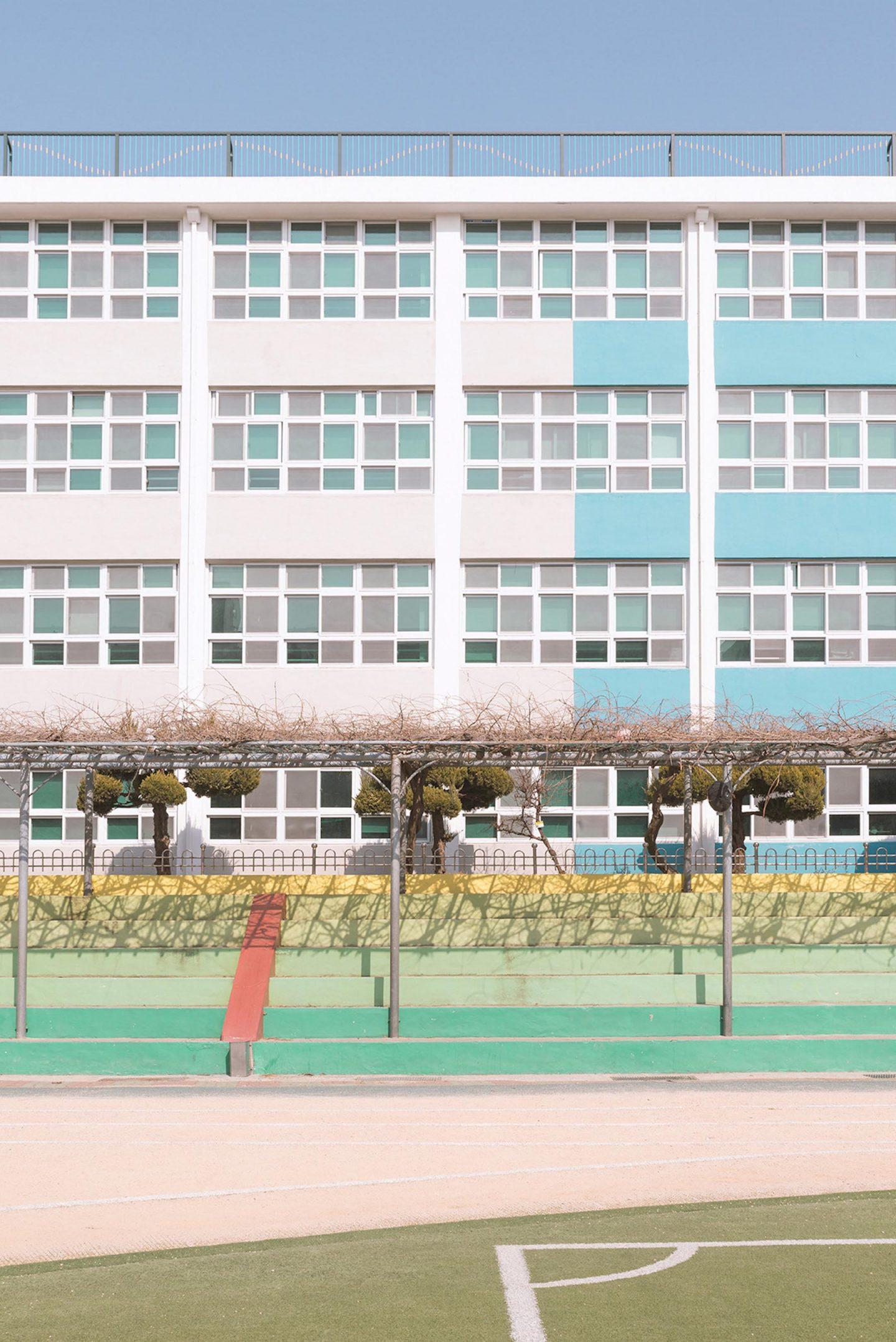 iGNANT-Photography-Andres-Gallardo-Korean-Schooling-04