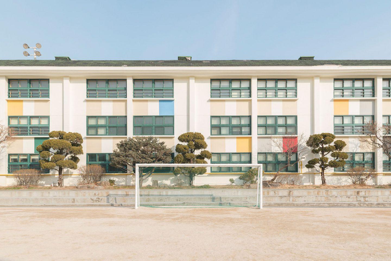 iGNANT-Photography-Andres-Gallardo-Korean-Schooling-05