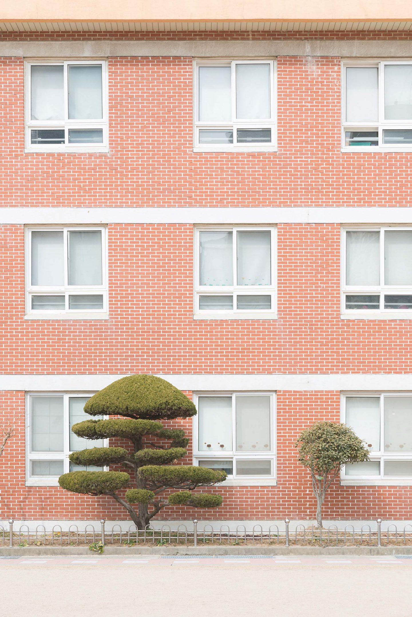 iGNANT-Photography-Andres-Gallardo-Korean-Schooling-08