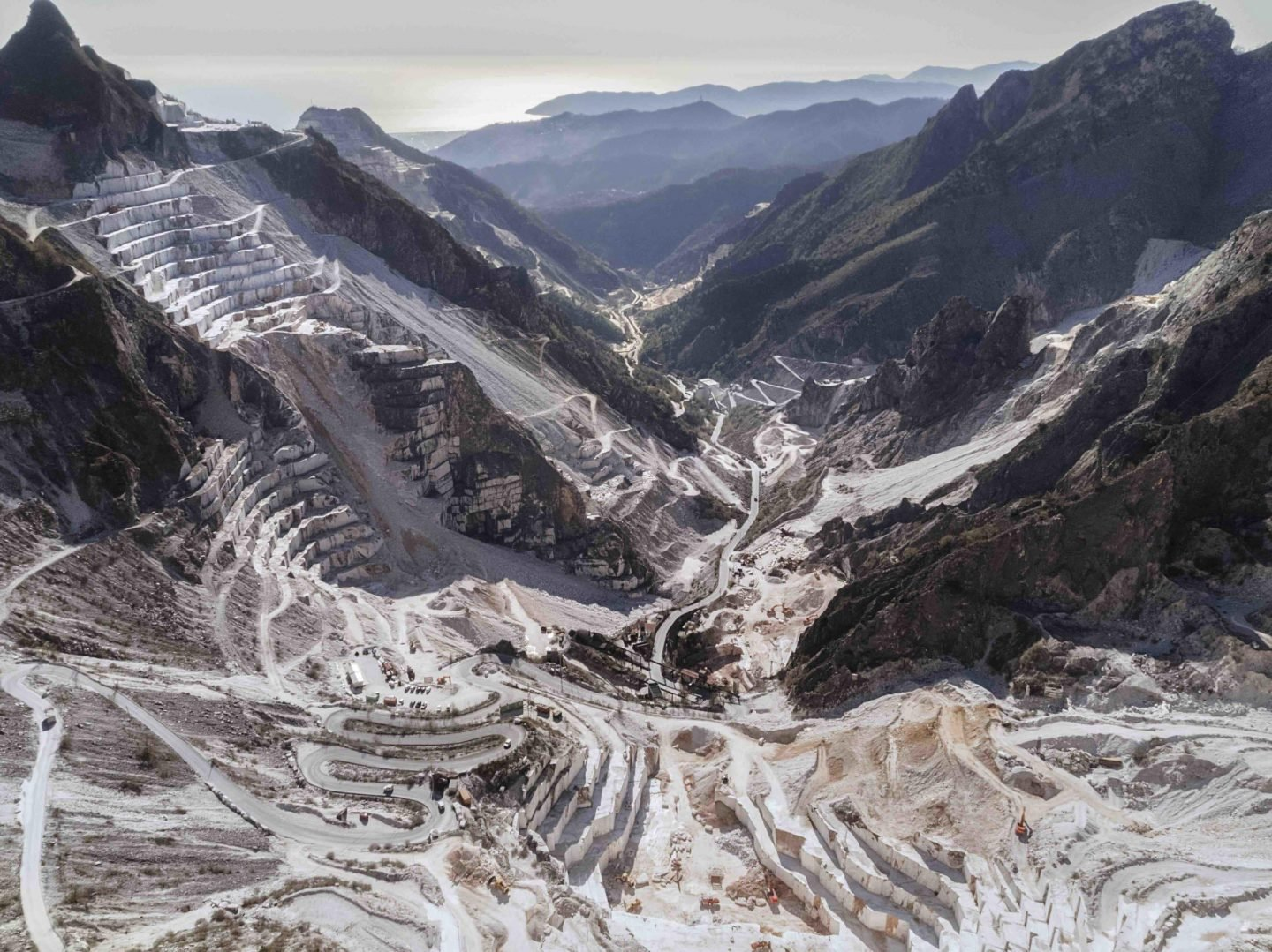 iGNANT-Photography-Luca-Locatelli-Marble-Quarries-Of-Italy-001