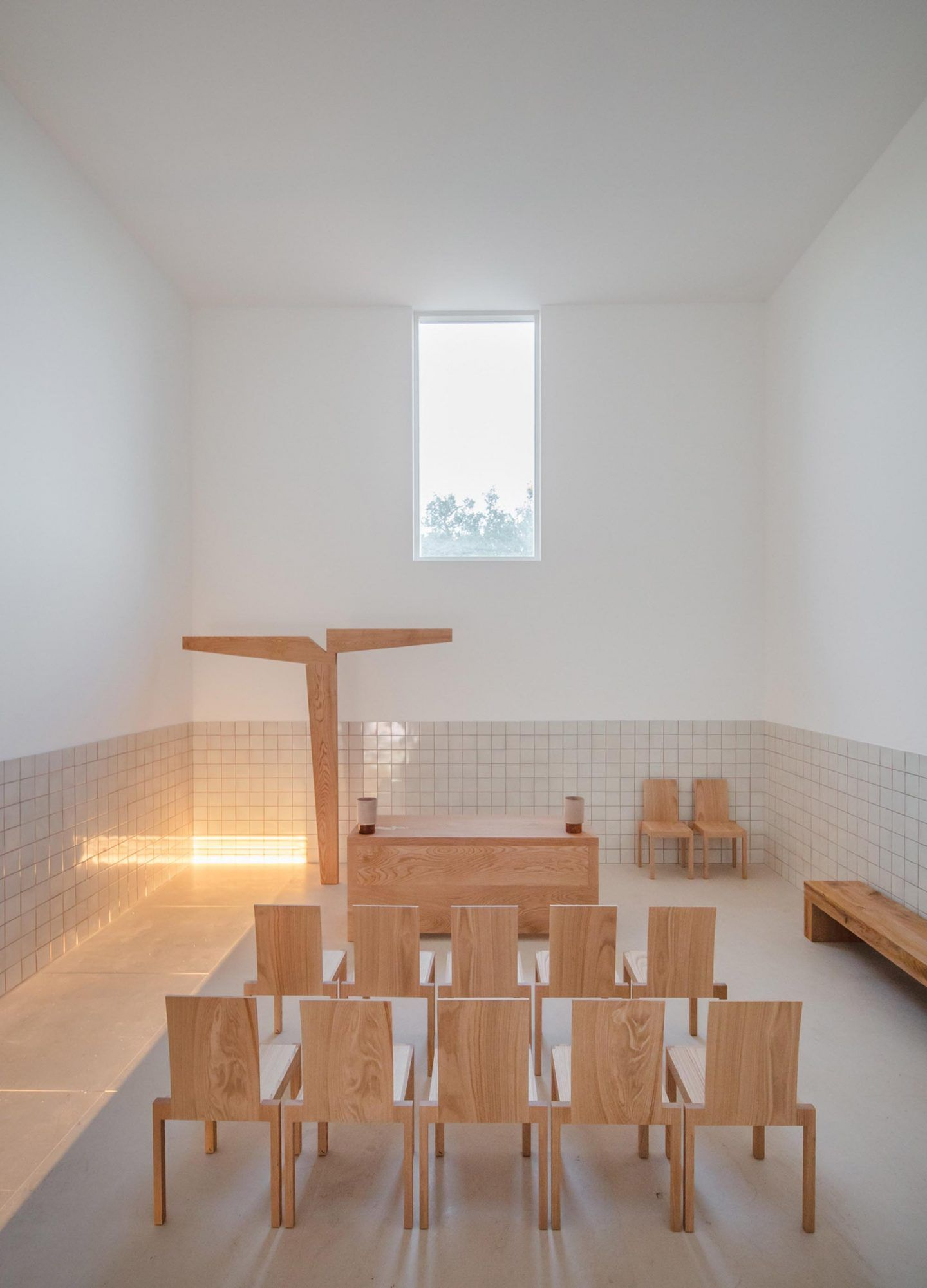 alvaro-siza-viera-capela-do-monte-chapel-algarve-dezeen-2364-col-14