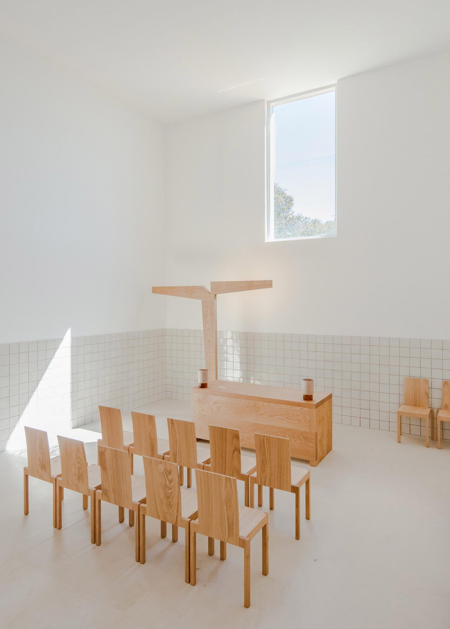 alvaro-siza-viera-capela-do-monte-chapel-algarve-dezeen-2364-col-5