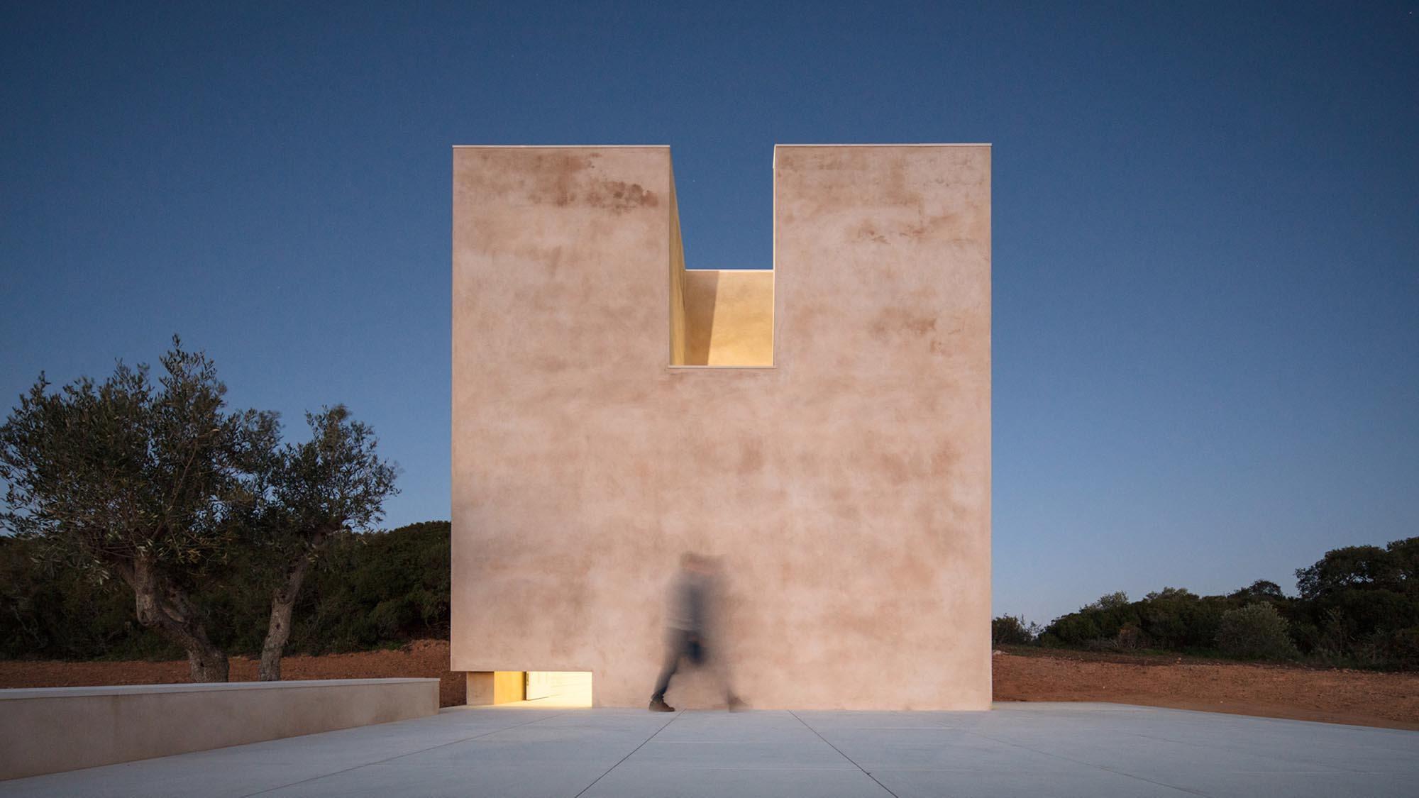 alvaro-siza-viera-capela-do-monte-chapel-algarve-dezeen-2364-hero-2