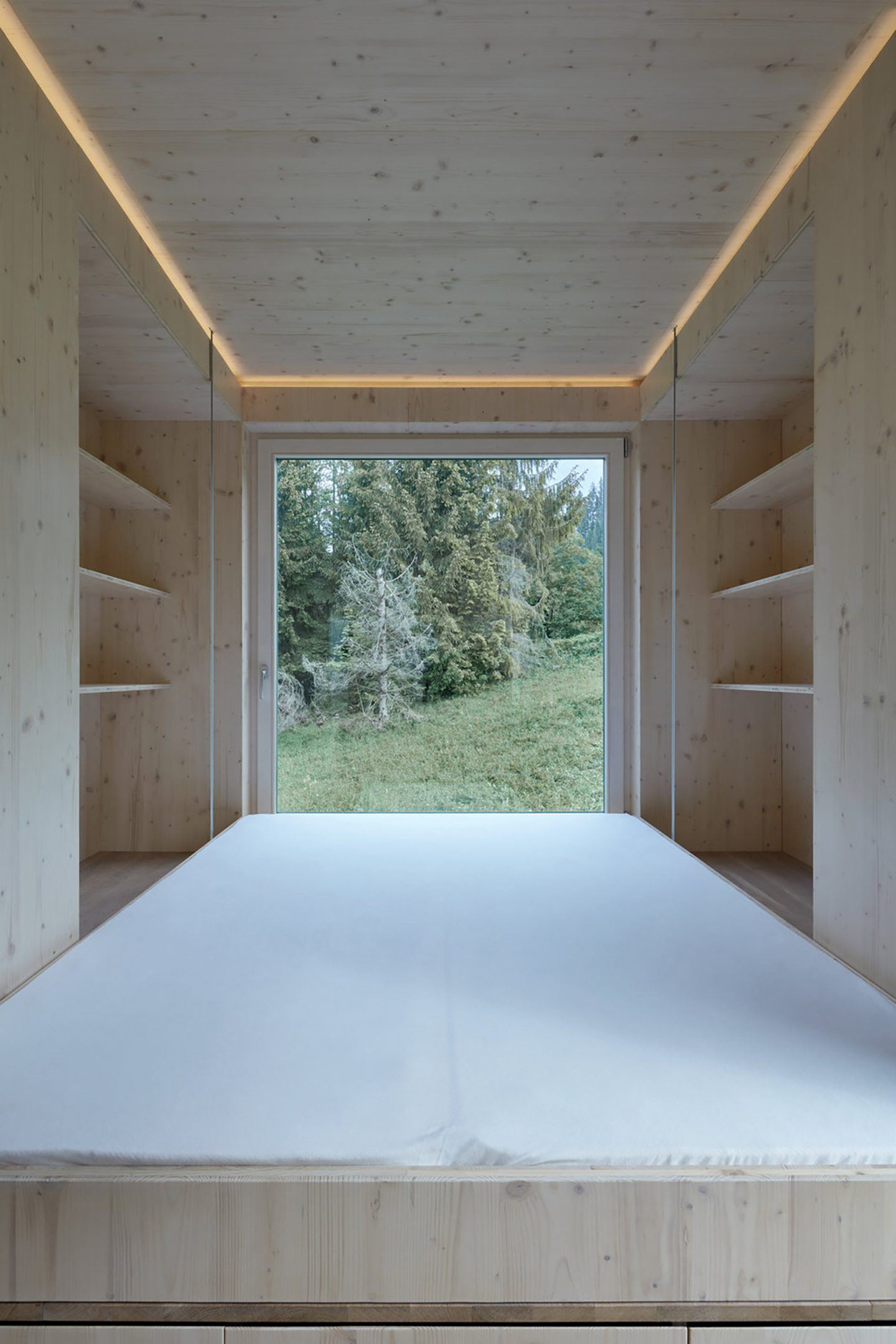 IGNANT-Architecture-Ark-Shelter-Into-The-Wild-19