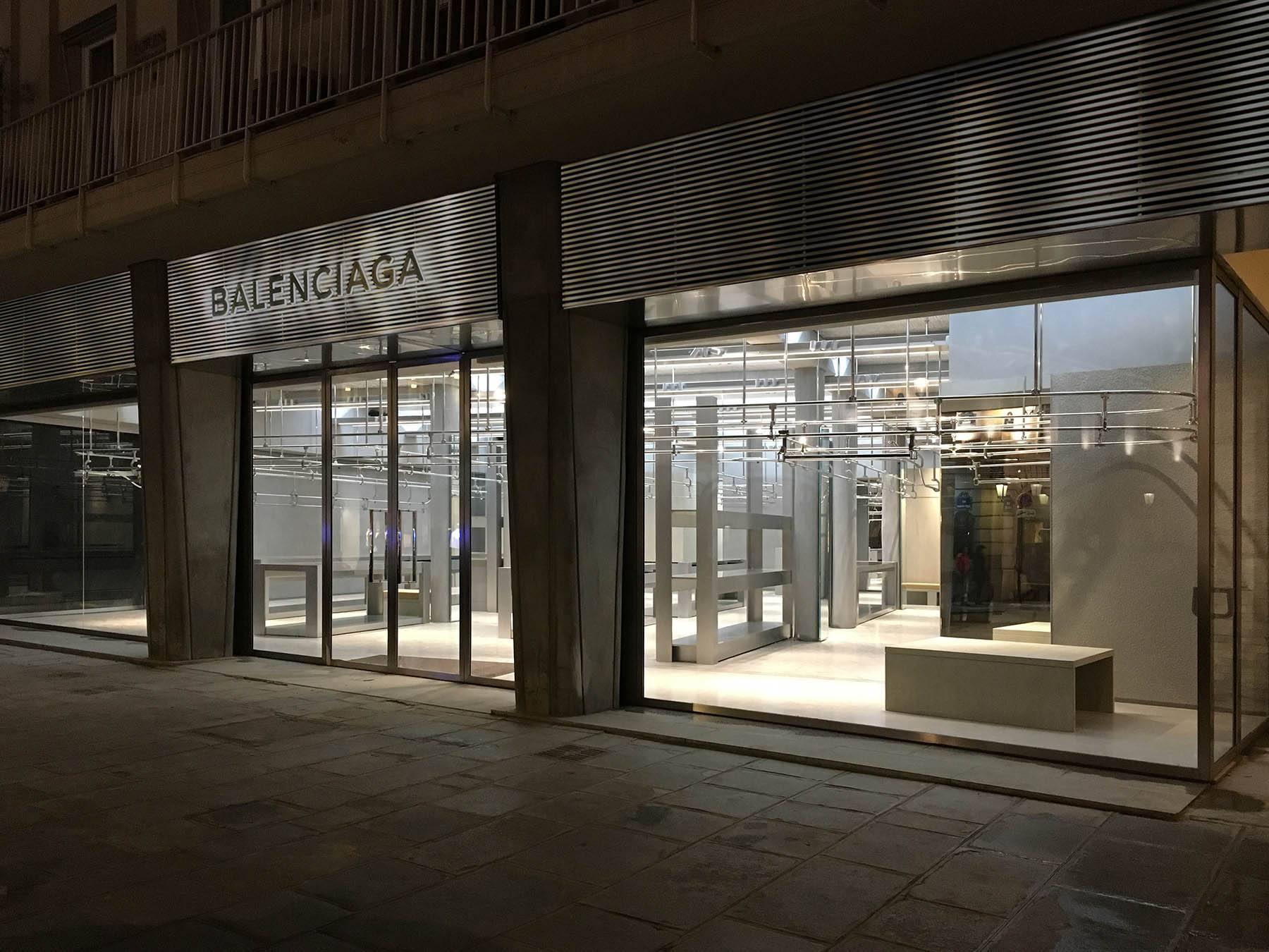 iGNANT-Architecture-Gonzalez-Haase-Balenciaga-Store-004