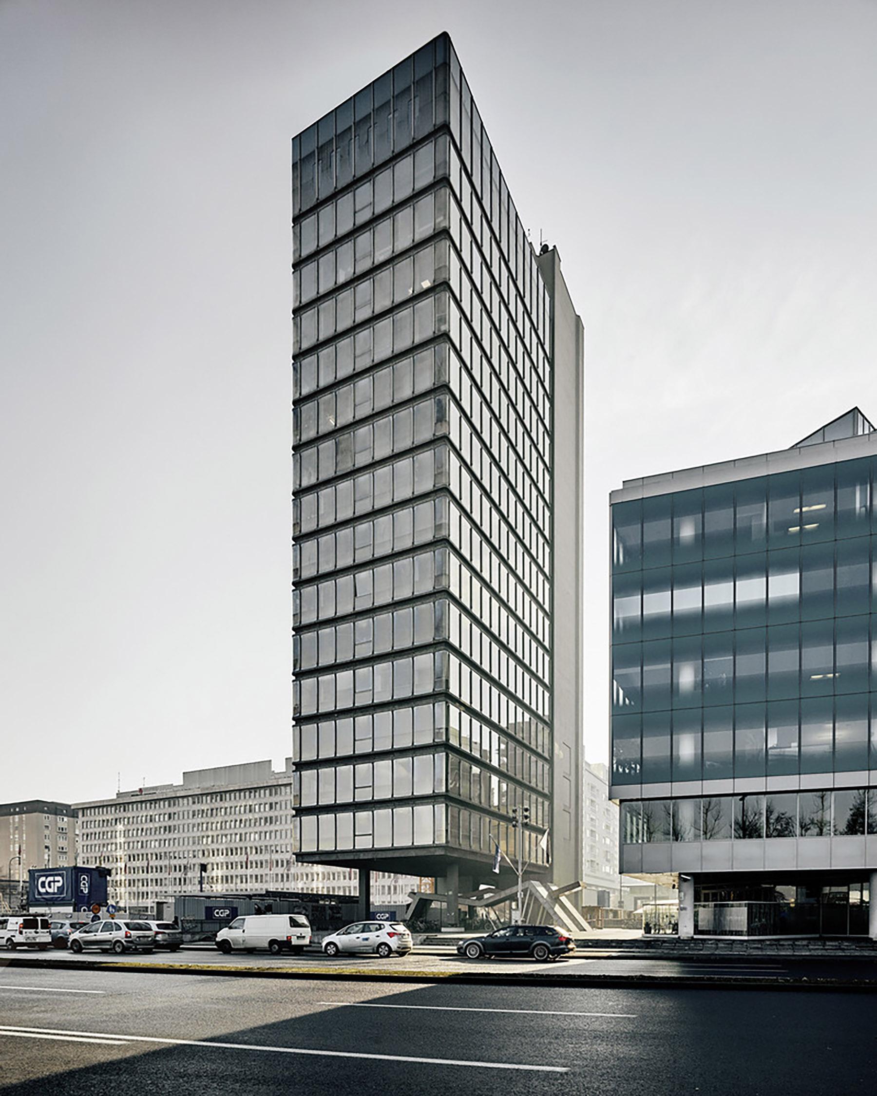iGNANT-Architecture-MoMA-Toward-A-Concrete-Utopia-0012
