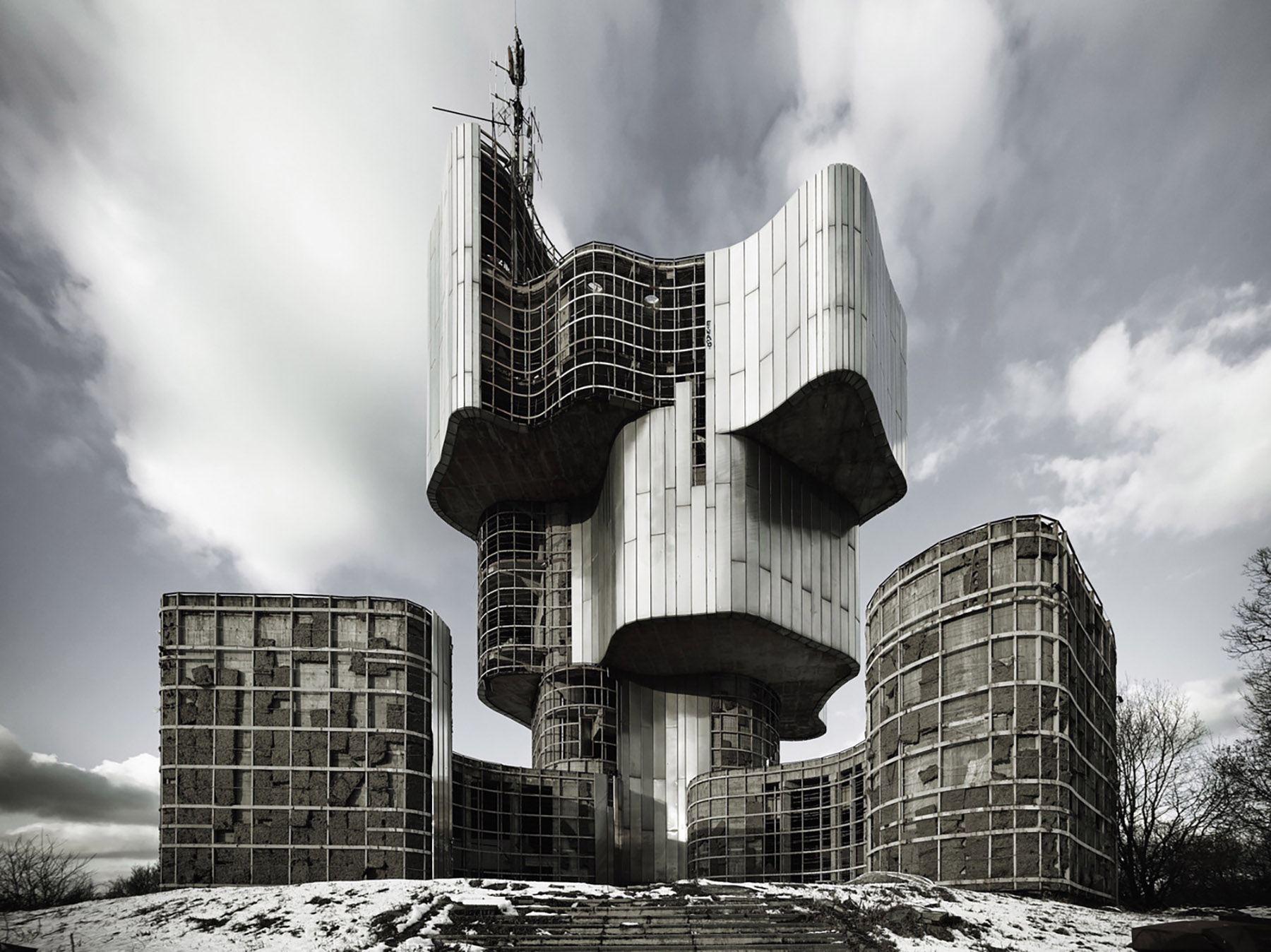 iGNANT-Architecture-MoMA-Toward-A-Concrete-Utopia-0014