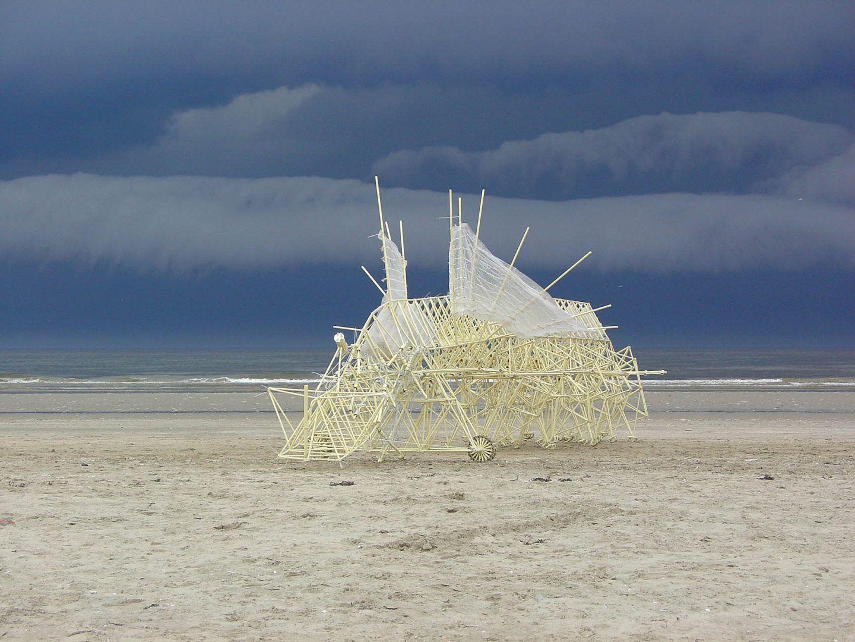 iGNANT-Art-Theo-Jansen-Strandbeests-006