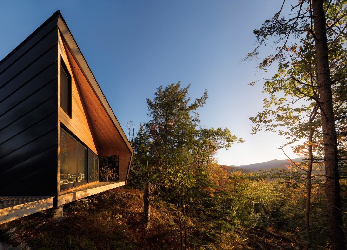IGNANT-A'Design-Award-And-Competition-Cabin-On-A-Rock-001
