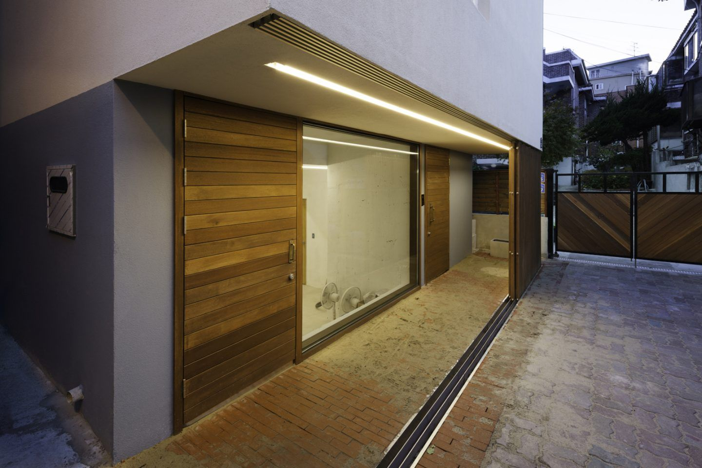 iGNANT-Architecture-A-Round-Architects-Seongsan-Dong-Mix-Use-House-004