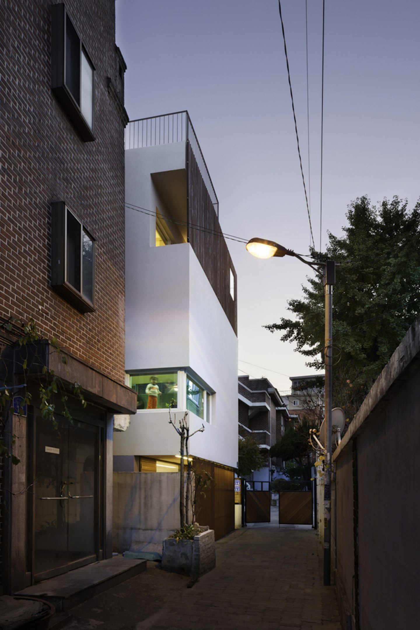 iGNANT-Architecture-A-Round-Architects-Seongsan-Dong-Mix-Use-House-010