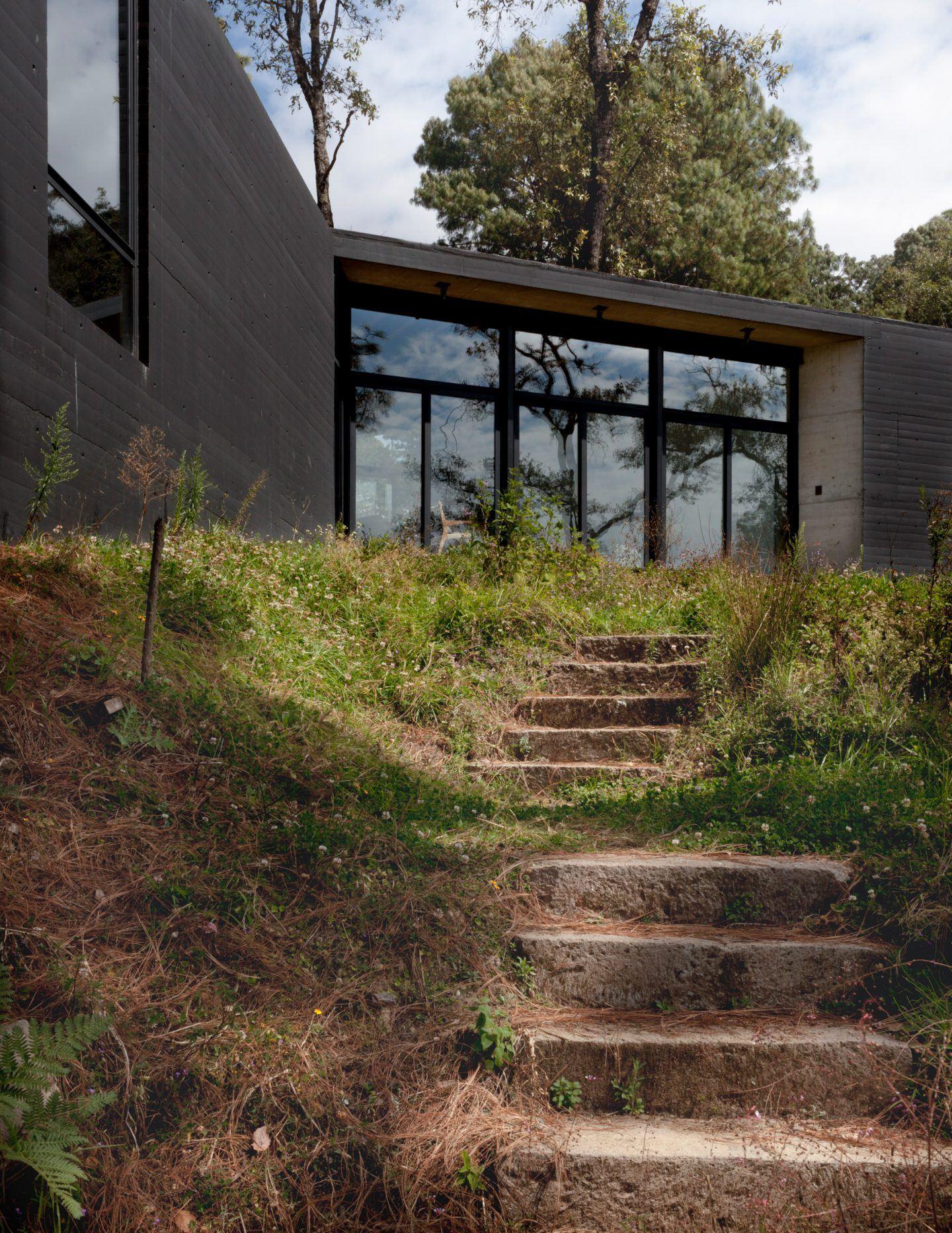 IGNANT-Architecture-Cadaval-Sola-Morales-Casa-De-La-Roca-16