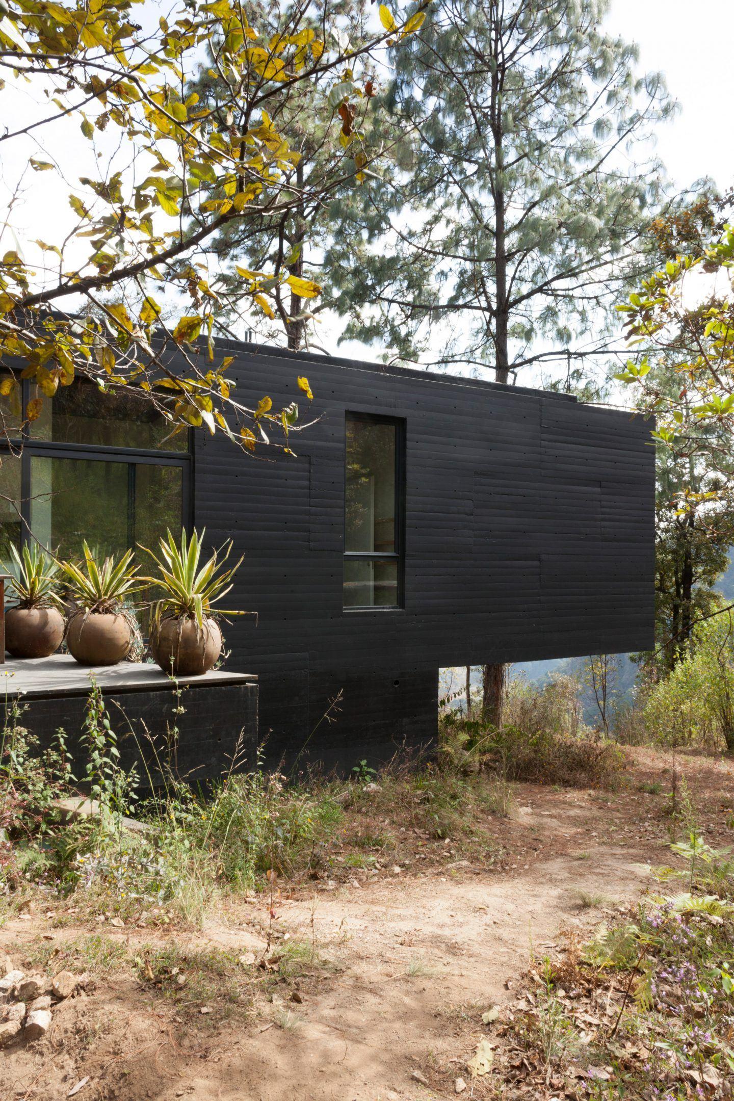 IGNANT-Architecture-Cadaval-Sola-Morales-Casa-De-La-Roca-7