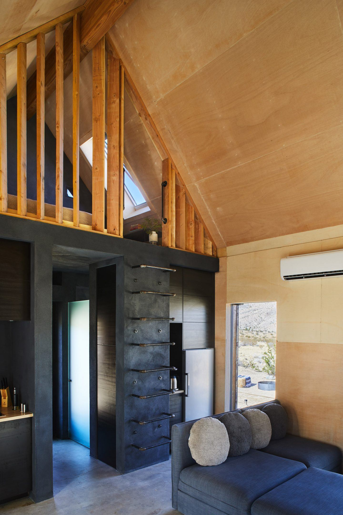 IGNANT-Architecture-Cohesion-Studio-Folly-Cabins-4