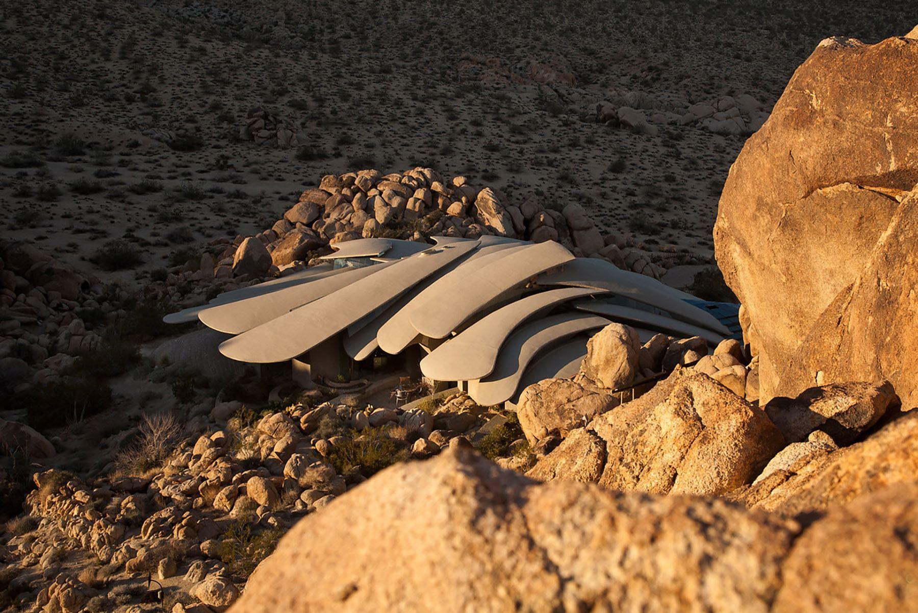 Kendrick Bangs Kellogg's Aesthetically Fearless High Desert...