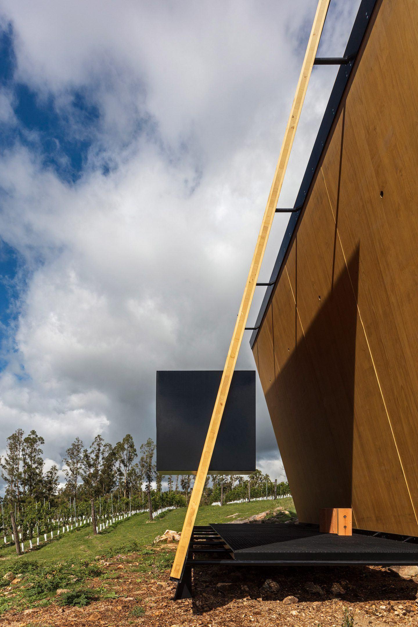 iGNANT-Architecture-MAPA-Sacromonte-Chapel-006