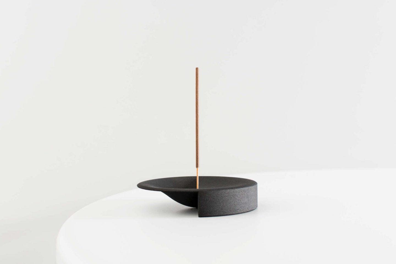 iGNANT-Design-Lukas-Peet-Scent-Tray-005