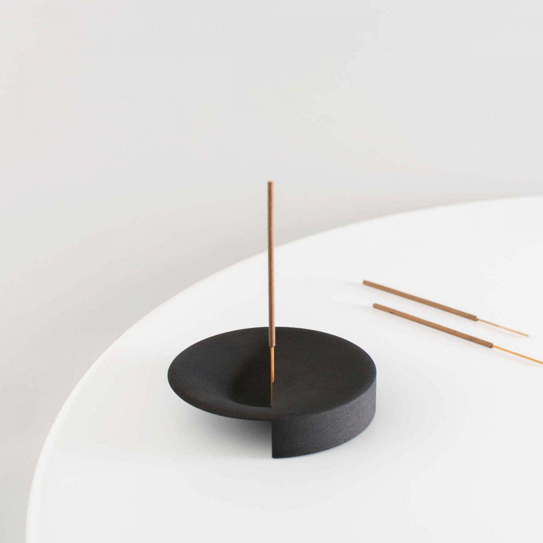 iGNANT-Design-Lukas-Peet-Scent-Tray-007