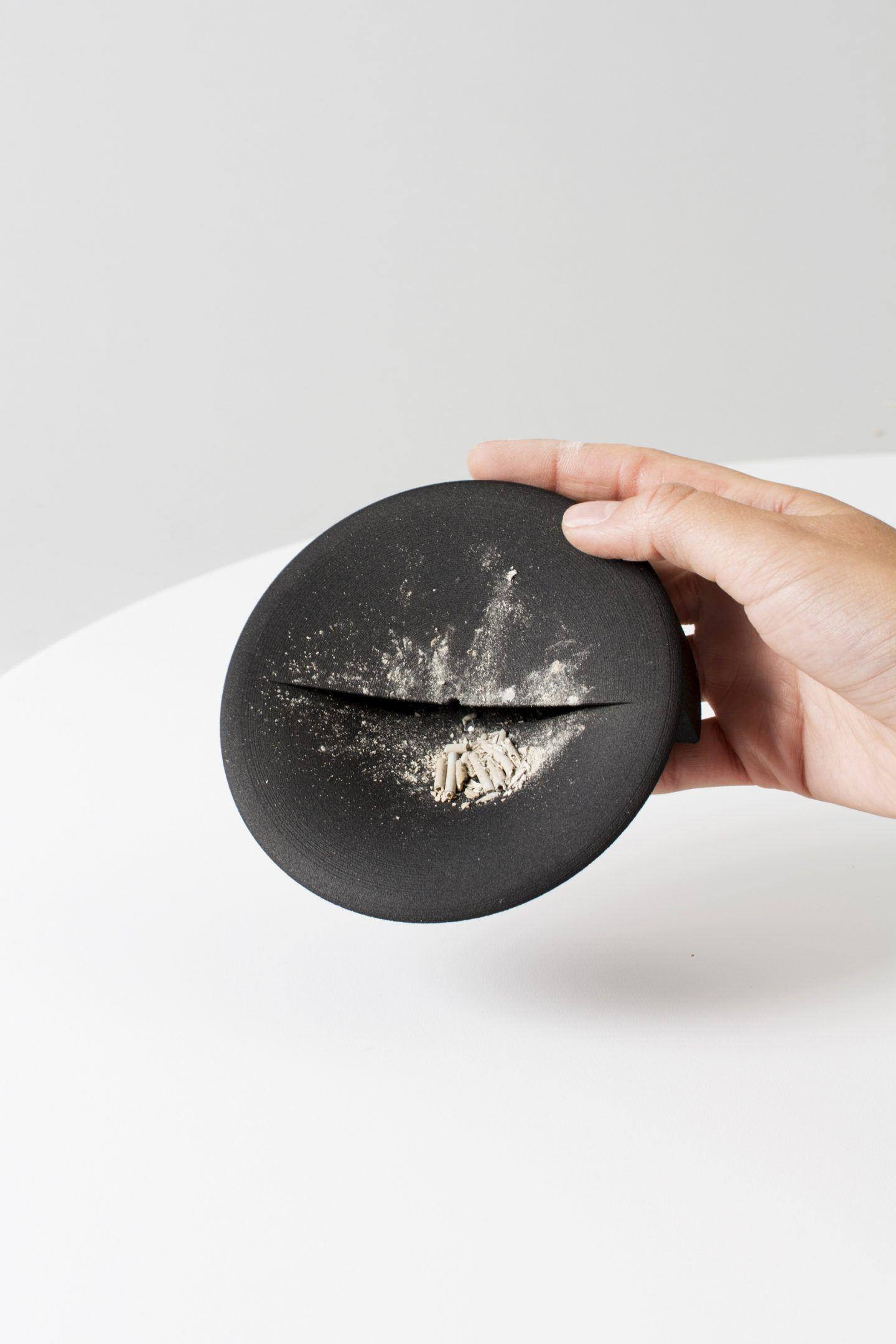 iGNANT-Design-Lukas-Peet-Scent-Tray-010