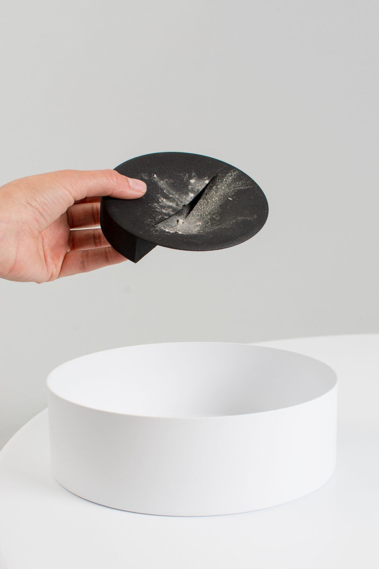 iGNANT-Design-Lukas-Peet-Scent-Tray-011