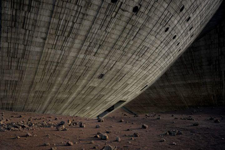 IGNANT-Photography-David-De-Beyer-Concrete-Mirrors-5