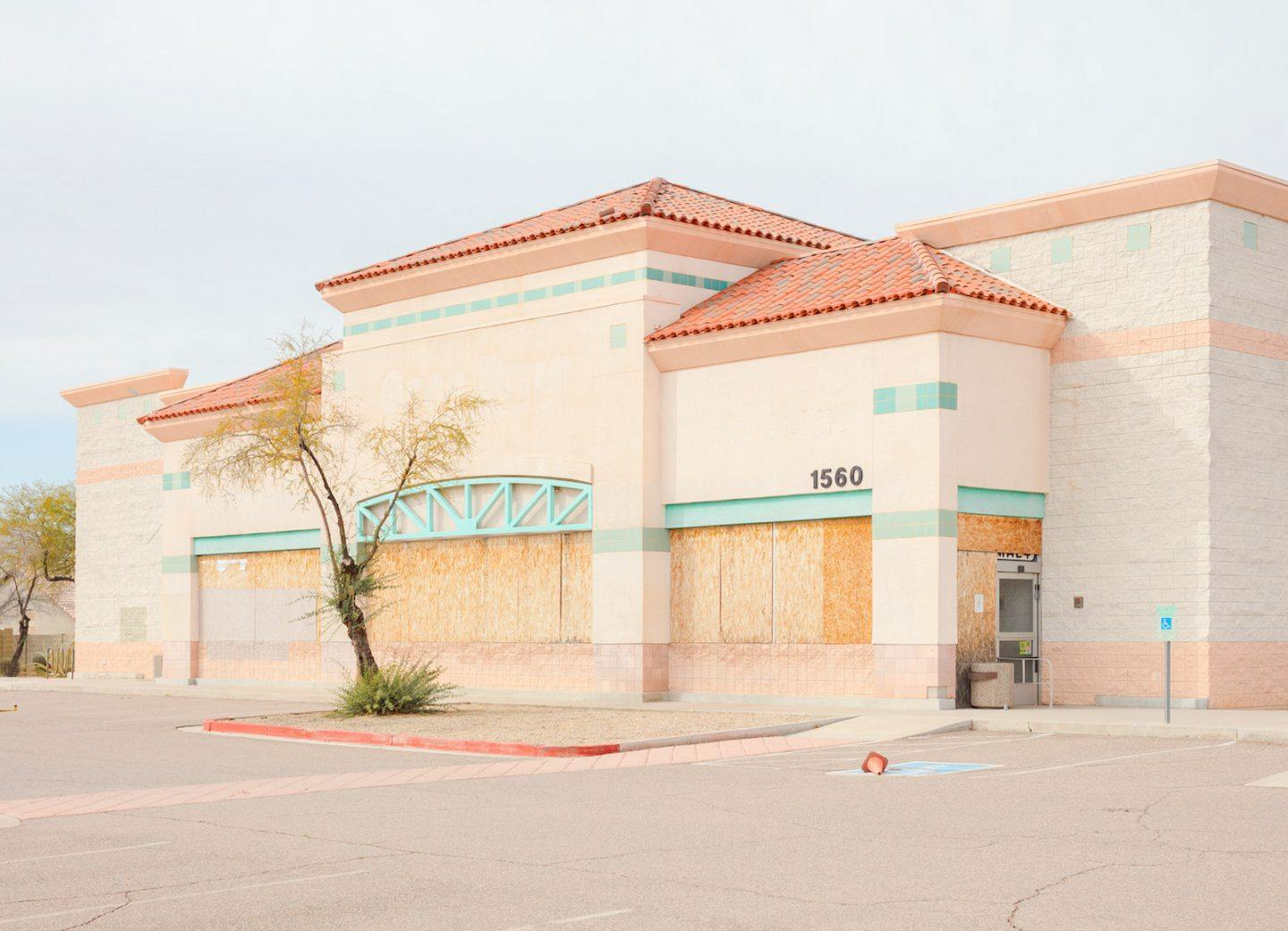iGNANT-Photography-Jesse-Rieser-The-Retail-Apocalypse-004