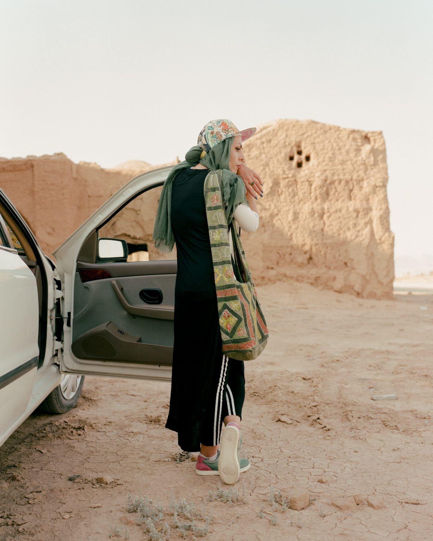 IGNANT-Photography-Matthieu-Litt-Through-The-Walls-1
