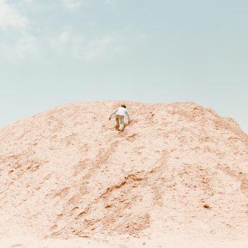 IGNANT-Photography-Matthieu-Litt-Through-The-Walls-11