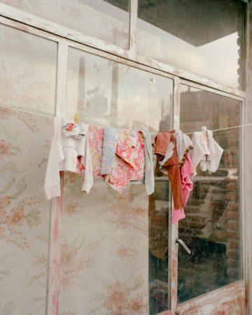 IGNANT-Photography-Matthieu-Litt-Through-The-Walls-12