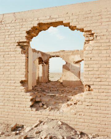 IGNANT-Photography-Matthieu-Litt-Through-The-Walls-6