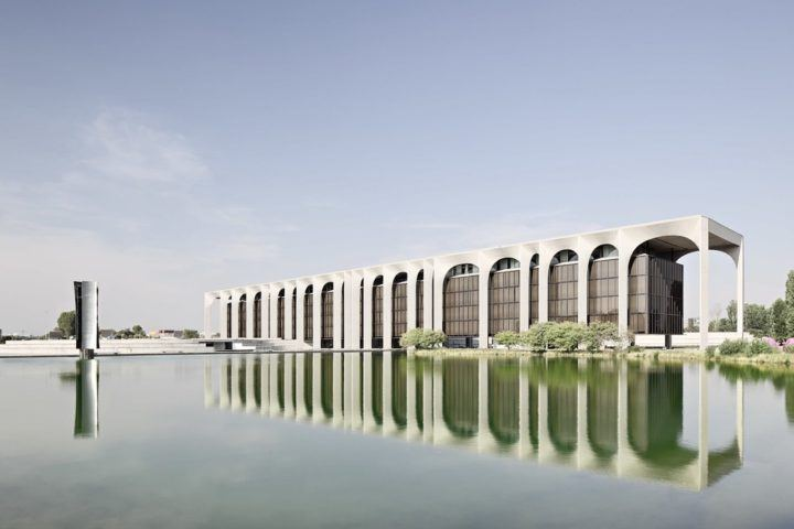 iGNANT-Architecture-Oscar-Niemeyer-Mondadori-HQ-002