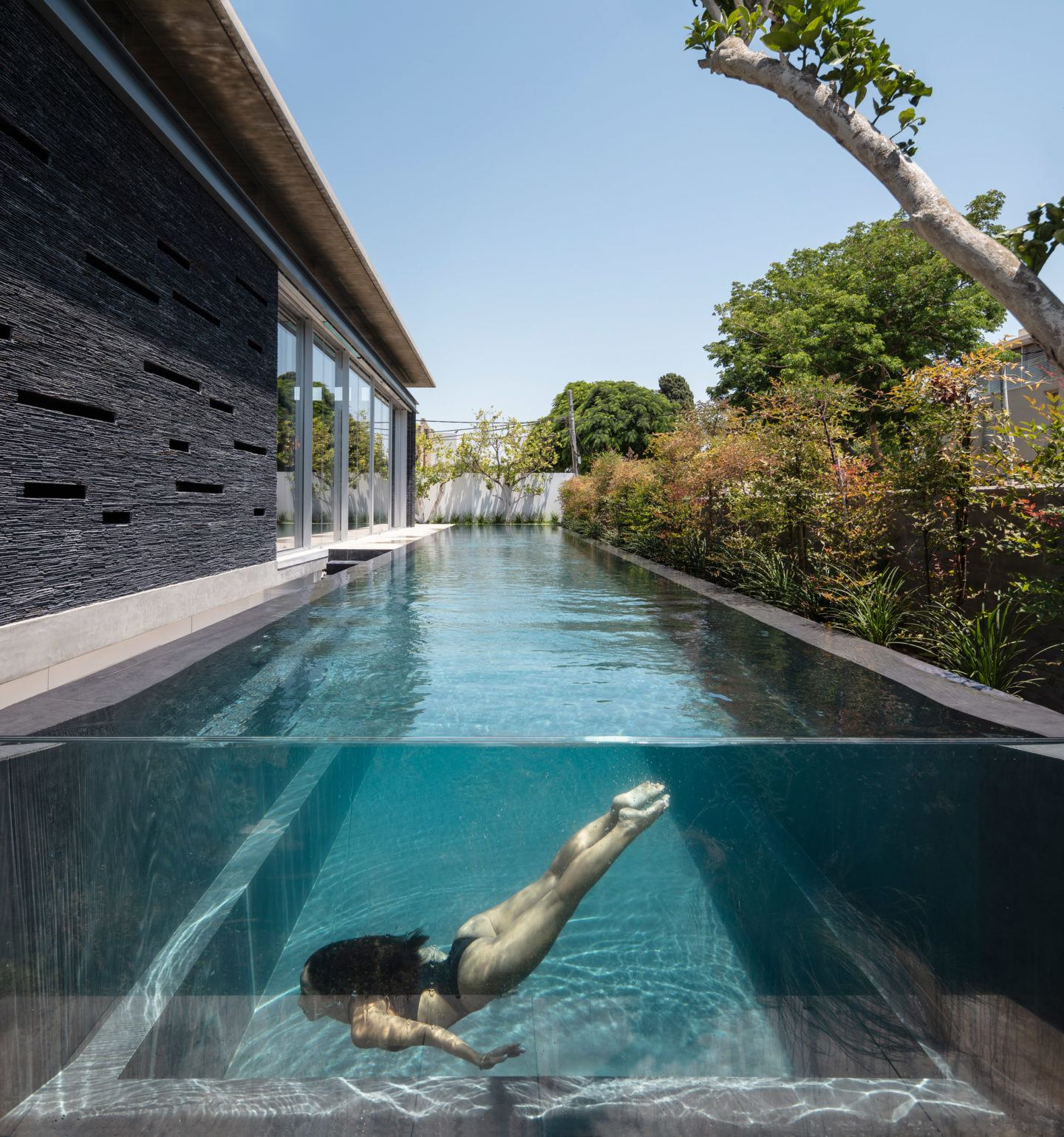 iGNANT-Architecture-Pitsou-Kedem-Pavilion-House-002