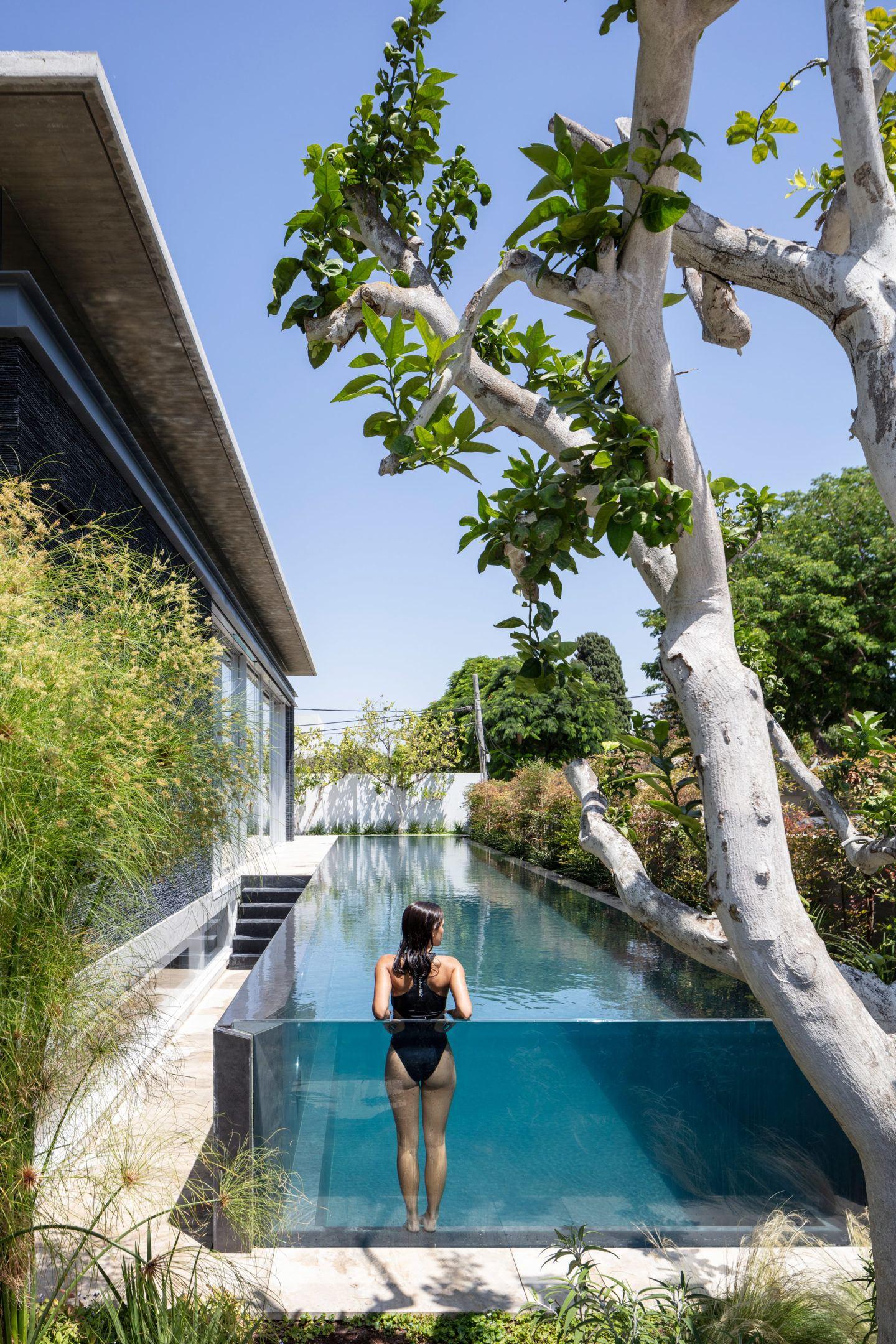 iGNANT-Architecture-Pitsou-Kedem-Pavilion-House-003