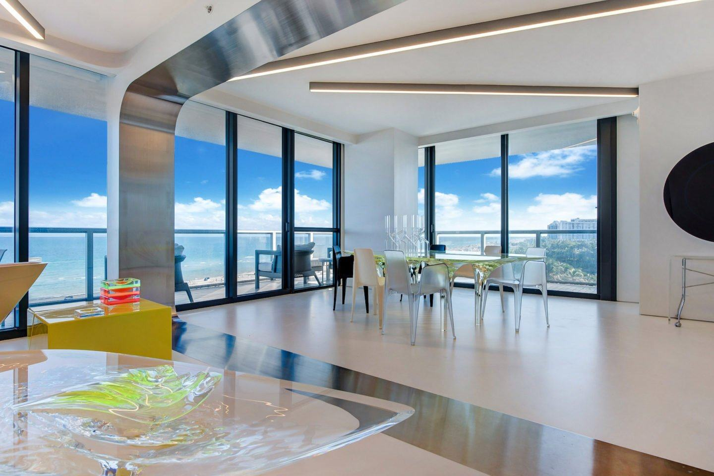 iGNANT-Architecture-Zaha-Hadid-Beach-Apartment-003