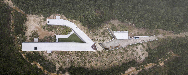 IGNANT-Architecture-Alvaro-Siza-Carlos-Castanheira-Art-Pavilion-Photographs-10