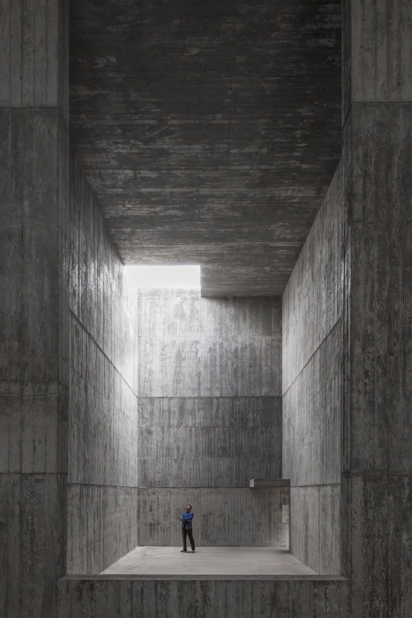 IGNANT-Architecture-Alvaro-Siza-Carlos-Castanheira-Art-Pavilion-Photographs-13