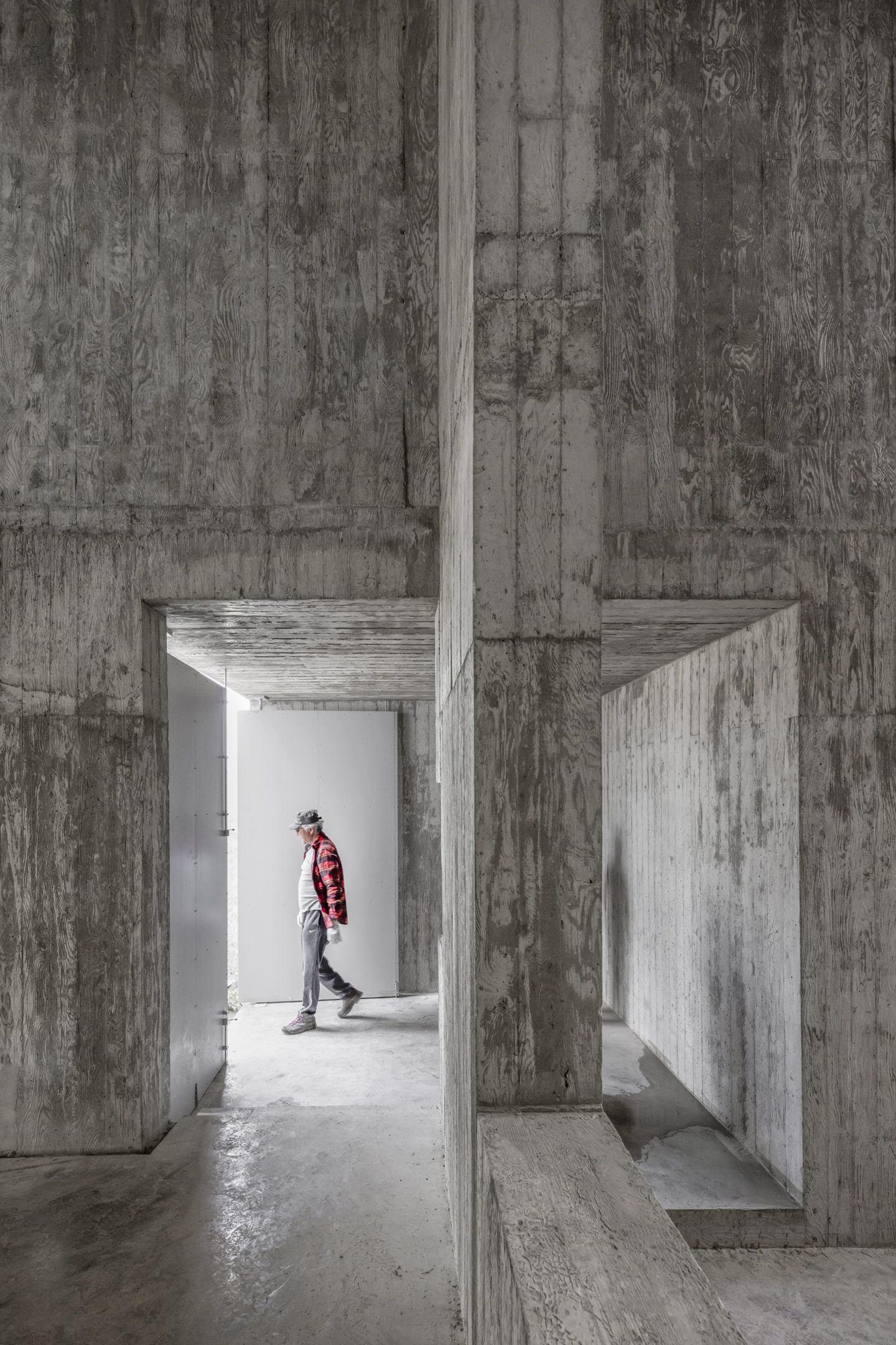 IGNANT-Architecture-Alvaro-Siza-Carlos-Castanheira-Art-Pavilion-Photographs-14